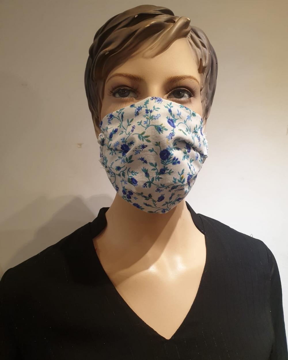 masque blanc fleuri