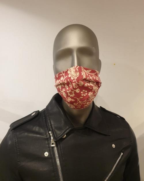 masque rouge fleuri